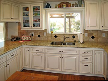 Custom Kitchen Cabinets from Darryn's Custom Cabinets ...